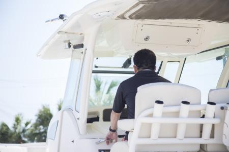 クルージング|TF23 にしまり号を運転手付きで。優雅な時間をお楽しみいただけます。