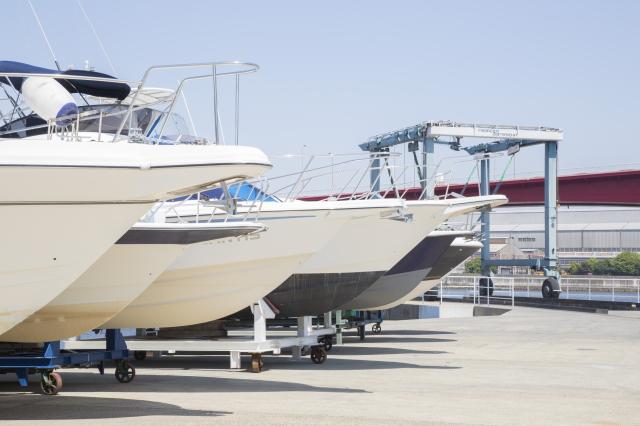 ボート・ヨットの修理・メンテナンス業務はもちろん、 マリン用品、マリンパーツの修理まで承っております